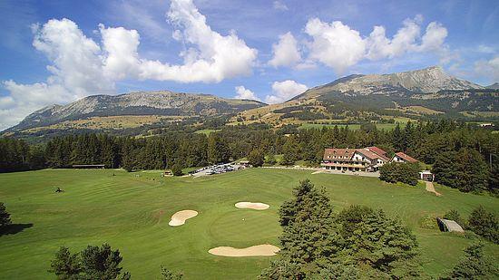 Vue du centre d'Oxygénation et golf