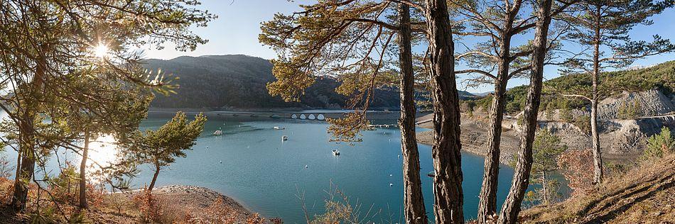 Lac de Serre-Ponçon. F.T